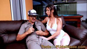 Image Brasileira gostosa chupando e sentando na piroca
